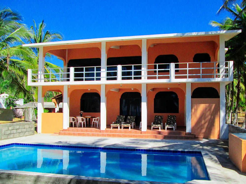 pool at Casa Las Brisas